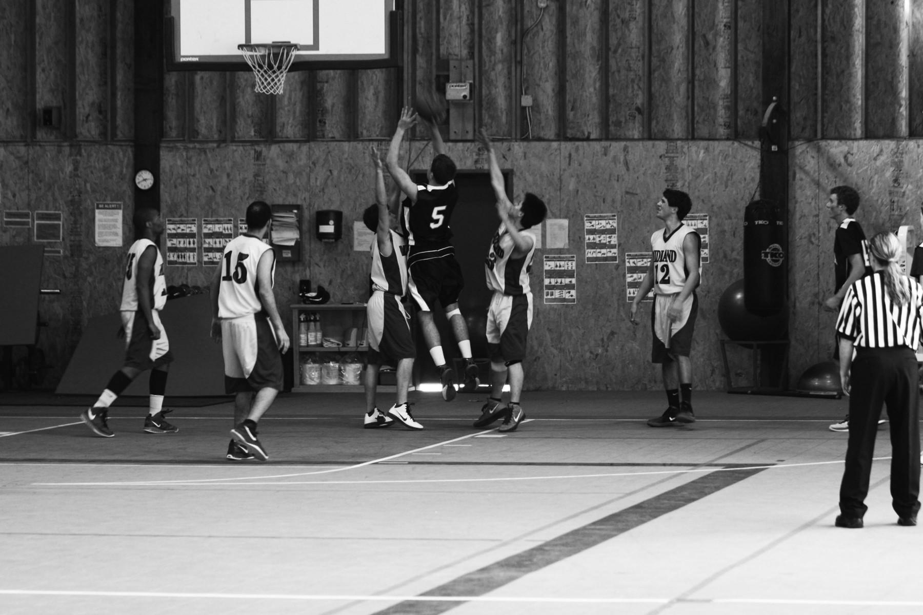 Varsity Boys Basketball Season Recap